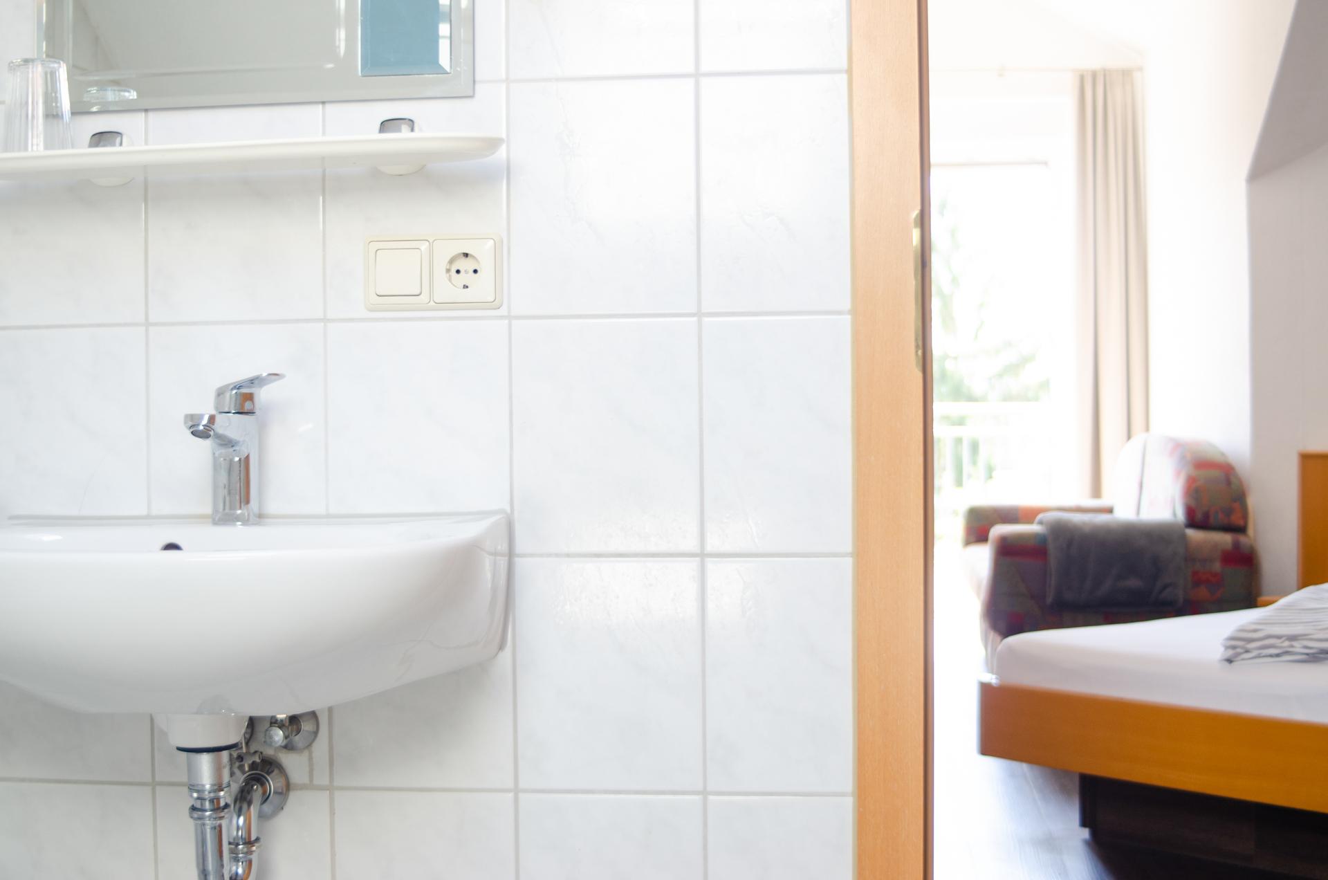 Ein Blick ins Badezimmer vom Gästehaus Scheuermann