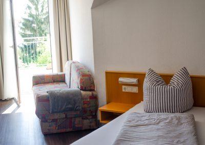Einzelzimmer mit Balkon im Gäste Haus Scheuermann